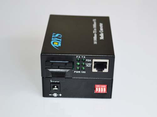 ROHS 100M LFP Optical Fiber Media Converter For CATV / Network