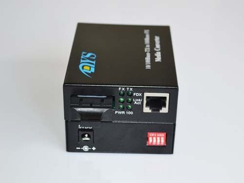 الصين ROHS 100M LFP Optical Fiber Media Converter For CATV / Network المزود
