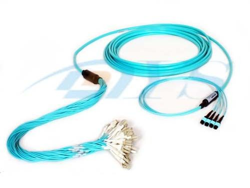 Multimode Optical Fiber Patch Cord , MPO/MTP Fiber Optic Trunk Cable المزود