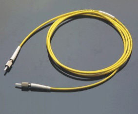 Low Insertion Loss, High Return Loss Yellow DIN Model Connector Optical Fiber Patch Cord المزود